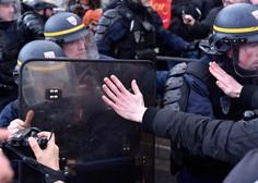Ob protestih rumenih jopičev v Parizu tudi spopadi s policijo