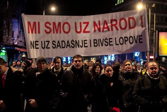 V Beogradu sedmi teden zapored protesti proti avtokratskemu predsedniku Aleksandru Vučiću