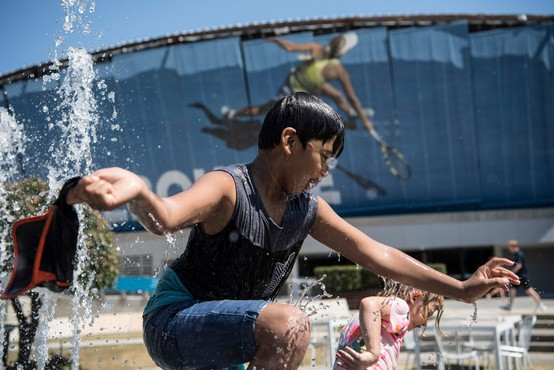 Zaradi vročinskega vala v Avstraliji brez elektrike ostalo več kot 200.000 ljudi