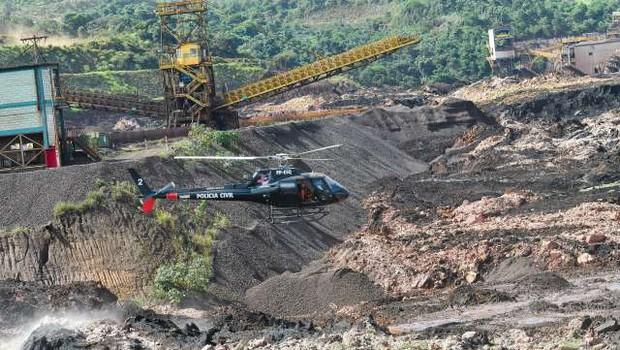 V Braziliji po zrušitvi jezu pri Belo Horizonte prijeli pet inženirjev (foto: Xinhua/STA)