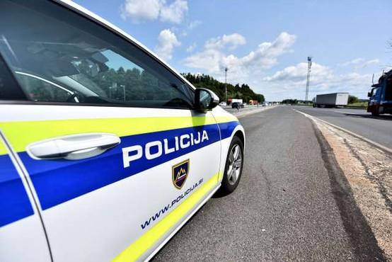 Policija znova prijela več migrantov in njihovih pomagačev