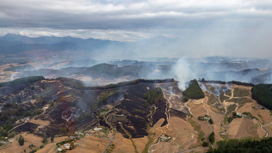 Nova Zelandija: Največji požar v 64 letih po petih dneh še ni pod nadzorom (foto: profimedia)