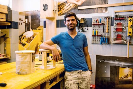 Ekipa Preoblikovalnice se ukvarja s preoblikovanjem odpadnega materiala