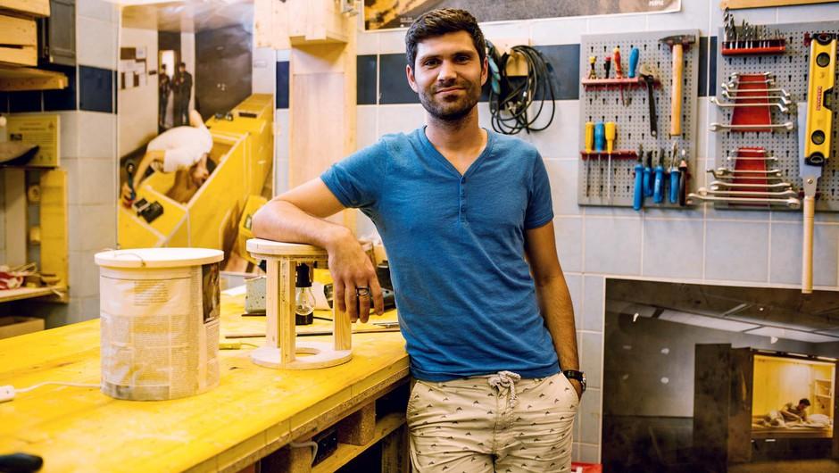 Ekipa Preoblikovalnice se ukvarja s preoblikovanjem odpadnega materiala (foto: Tilyen Mucik, arhiv Preoblikovalnice, Petra Švajger, Tanja Ristič, arhiv Rifuzl)