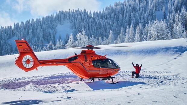 Snežni plaz v Crans Montani zasul več ljudi (foto: profimedia)