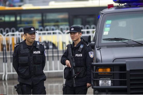 Kitajska: Napadalec z nožem ranil 11 ljudi