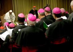 Papež za pomoč prosil devico Marijo, žrtve pa od papeža zahtevajo ukrepanje!