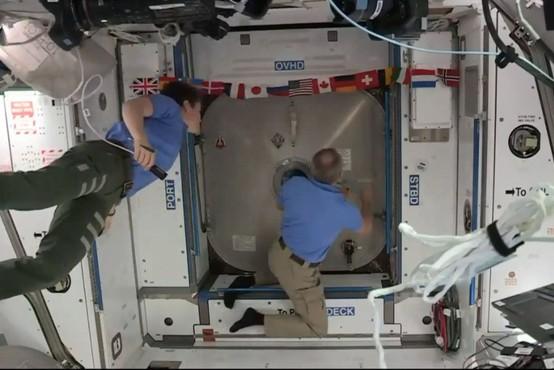 SpaceX: Misija je uspela, plovilo je uspešno pristalo na mednarodni vesoljski postaji