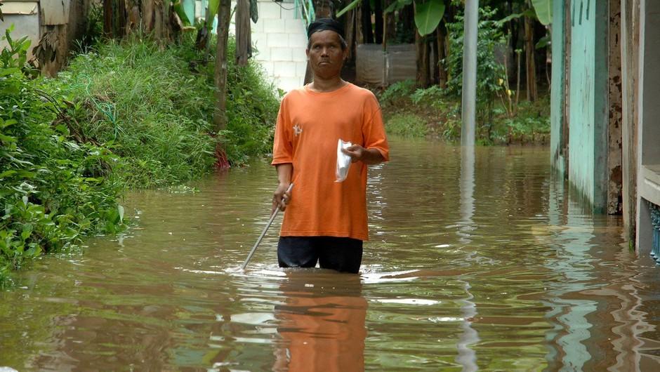 Poplave v indonezijski pokrajini Papua terjale najmanj 50 življenj (foto: profimedia)