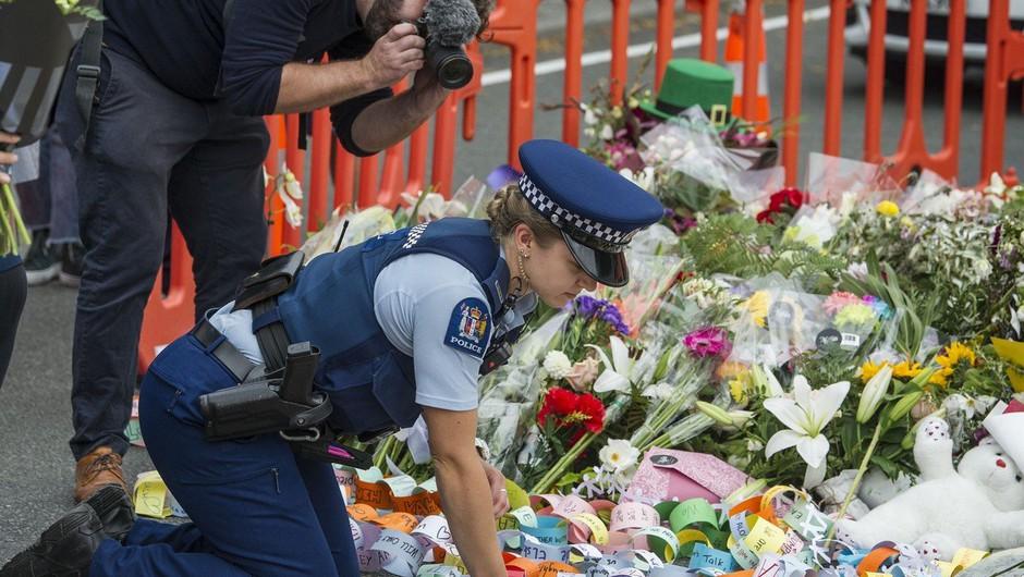 Aretirali 18-letnika, ki je delil video posnetek napada v Christchurchu (foto: Profimedia)