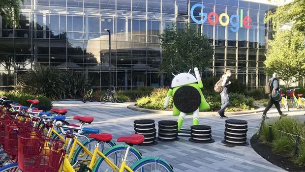 1,49 milijarde evrov kazni Bruslja za Google, ker omejuje konkurenco! (foto: profimedia)