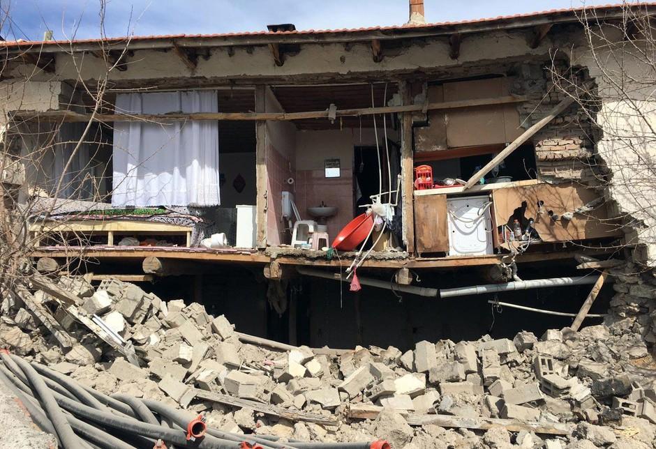 Jugozahod Turčije stresel močan potres, poročil o žrtvah in škodi še ni (foto: profimedia)