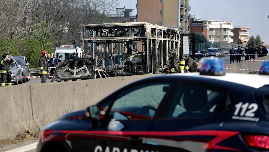 Voznik v Italiji zažgal šolski avtobus z več kot 50 otroki (foto: profimedia)