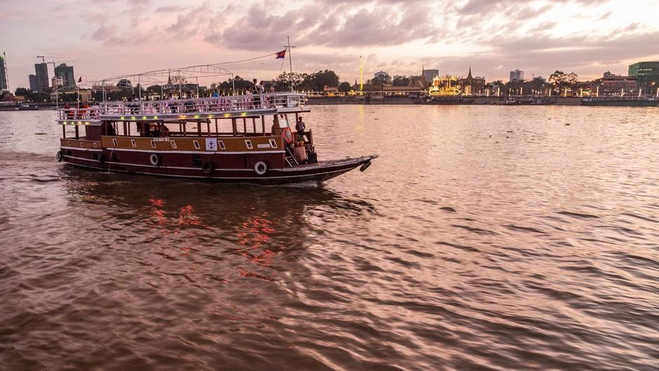 V nesreči trajekta na reki Tigris umrlo najmanj 70 ljudi (foto: profimedia)