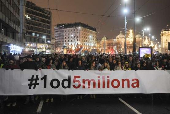 Protest v Beogradu že 16. soboto zapored, tokrat brez izgredov