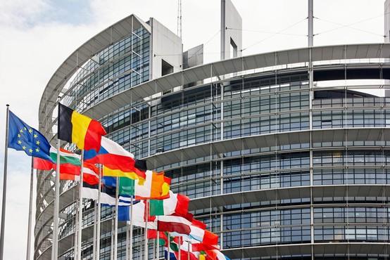 Evropski poslanci potrdili direktivo o avtorskih pravicah