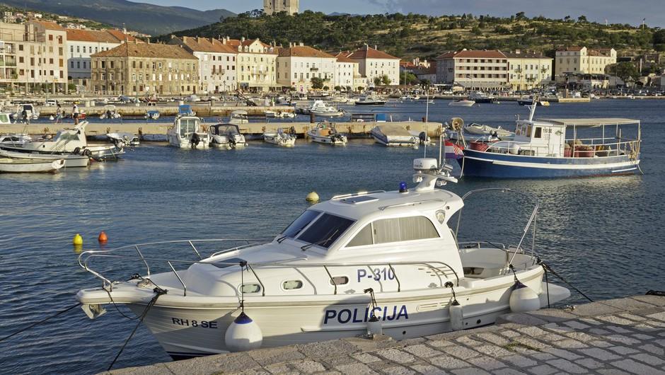 Vplutje hrvaškega policijskega čolna v slovensko morje je provokacija, meni Cerar! (foto: profimedia)