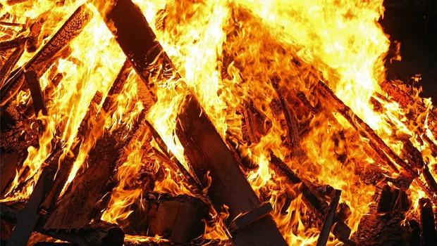 Evakuacija prebivalcev zaradi obsežnih požarov v Severni Makedoniji (foto: profimedia)