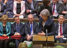 Mayeva zaprosila za preložitev brexita do 30. junija