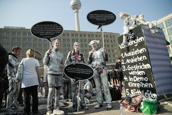 Pomanjkanje najemniških stanovanj je v Berlinu spravilo množice protestnikov na ceste