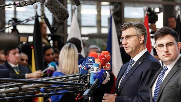 """""""Na Hrvaškem ni politika tista, ki vodi politike, ampak nekdo drugi v ozadju!"""" (foto: profimedia)"""