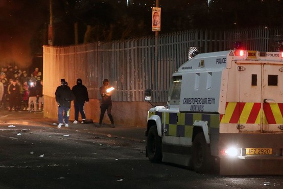 Severna Irska: V terorističnem incidentu ubita novinarka