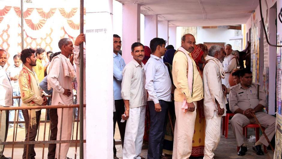 Indija: Zaradi glasovanja za napačno stranko si je odrezal prst! (foto: profimedia)