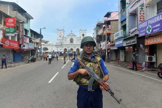 Šrilanka: Po jutranji seriji odjeknila nova eksplozija v hotelu, v veljavi policijska ura