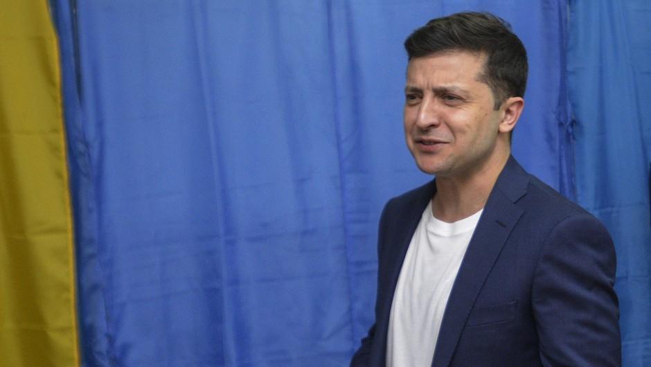 Projekcija kaže, da je na predsedniških volitvah v Ukrajini z veliko prednostjo  zmagal Zelenski (foto: profimedia)