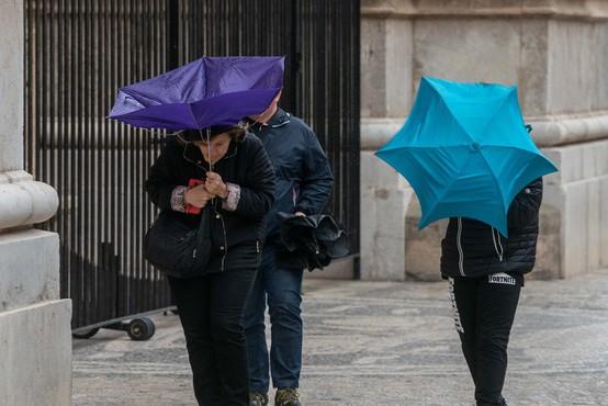 Po lepem vremenu prihaja deževen torek in občutne ohladitve