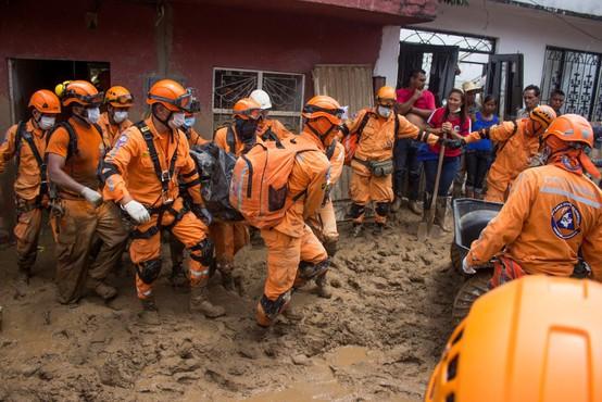 Zemeljski plaz v Kolumbiji terjal 33 žtev