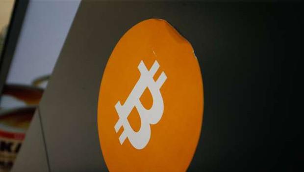 Hekerji iz največje kripto borze ukradli za 36 milijonov evrov bitcoinov (foto: Anže Malovrh/STA)