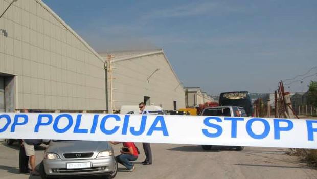 Luka Koper: Lažni alarm o nastavljeni bombi, policisti preverjajo vpletenost enega osumljenca (foto: STA/Lena Dujc)