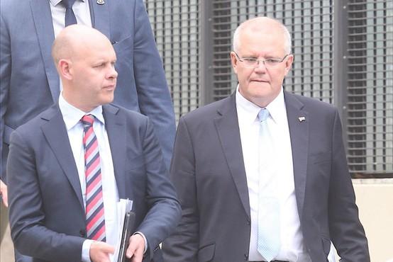Zmaga vladne koalicije je na parlamentarnih volitvah v Avstraliji presenetila