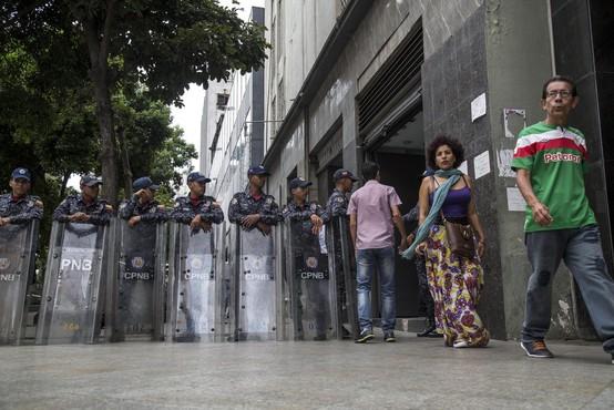 Venezuelo po letu 2015 zapustili trije milijoni ljudi