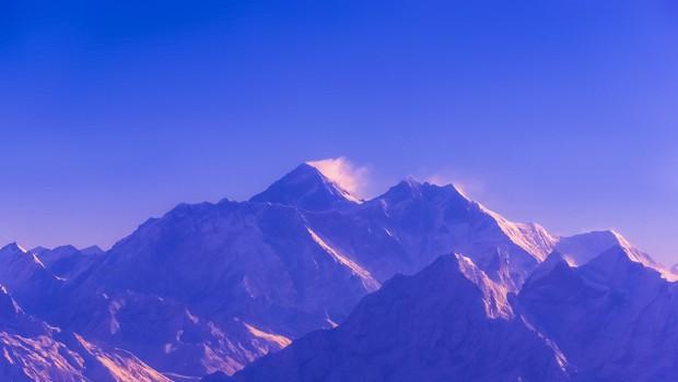 Mount Everest med alpinisti letos terjal že deset življenj (foto: Profimedia)