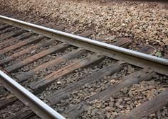 Železniška proga po trčenju vlaka v tovornjak ponovno odprta