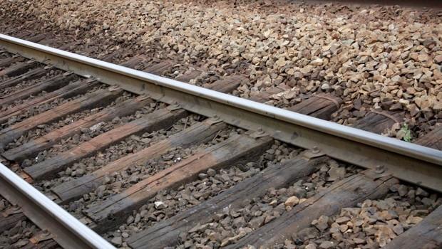 Železniška proga po trčenju vlaka v tovornjak ponovno odprta (foto: profimedia)