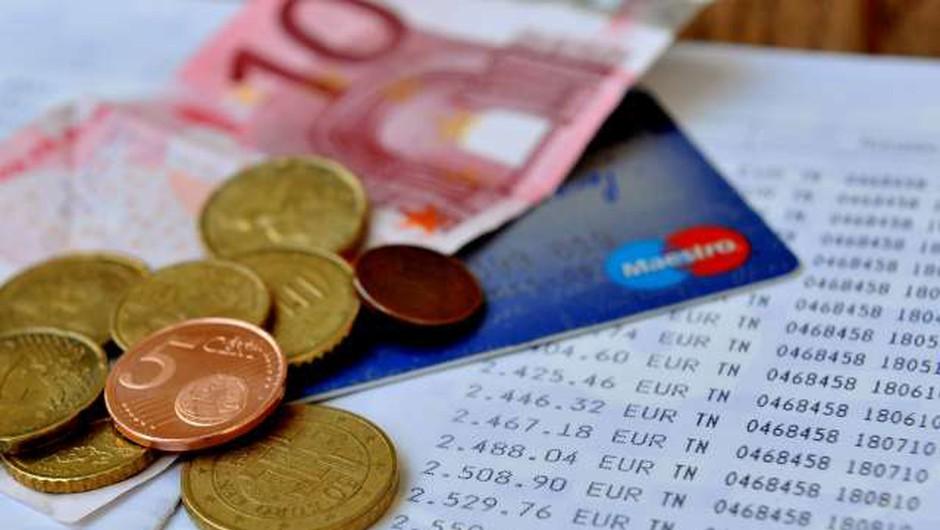 Na pošto še drugi sveženj izračunov dohodnine za lani (foto: STA/Tamino Petelinšek)