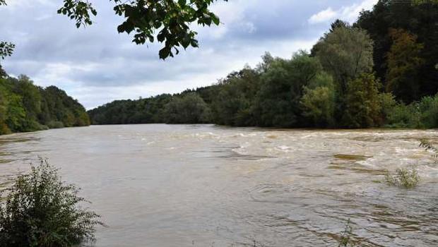 Deževje povzročalo težave, na Koroškem dva plazova (foto: STA)