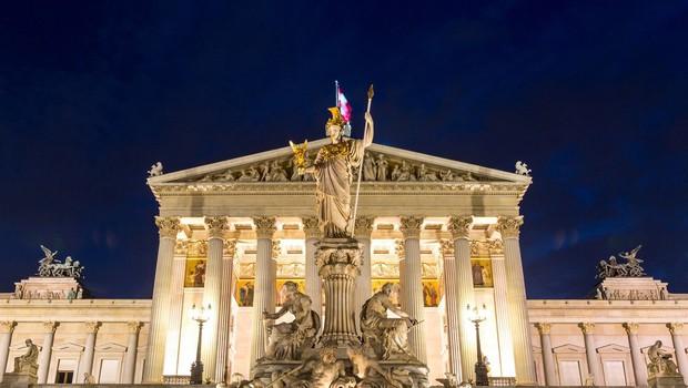 Na Dunaju prisegla vlada pod vodstvom kanclerke in z uravnoteženo zastopanostjo spolov (foto: Profimedia)
