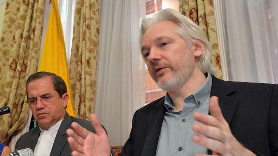 Švedsko sodišče zavrnilo zahtevo za pridržanje Assangea (foto: STA)