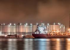 Z napadenih tankerjev v Omanskem zalivu evakuirali posadki