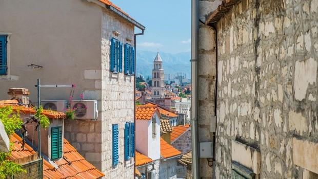 Prepir zaradi parkirišča! V Splitu je starejši moški s palico napadel nosečnico (foto: profimedia)
