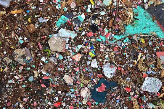 Indonezija noče biti več smetišče in je vrnila pet zabojnikov odpadkov v ZDA