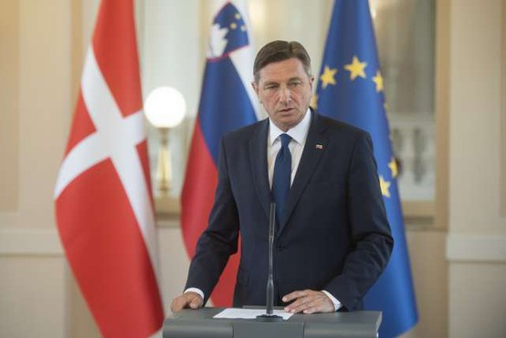 Pahor ocenjuje, da se vlada z epidemijo spopada dobro in napoveduje konec krize maja ali junija