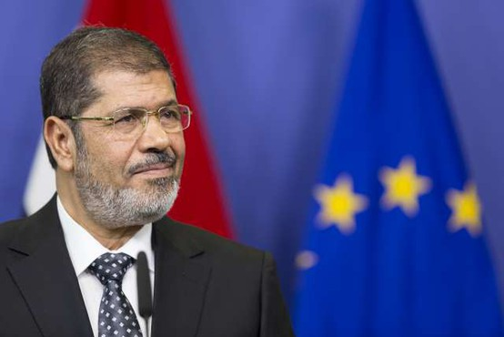 Umrl odstavljeni egiptovski predsednik Mursi, po tem, ko se je onesvestil na sodišču