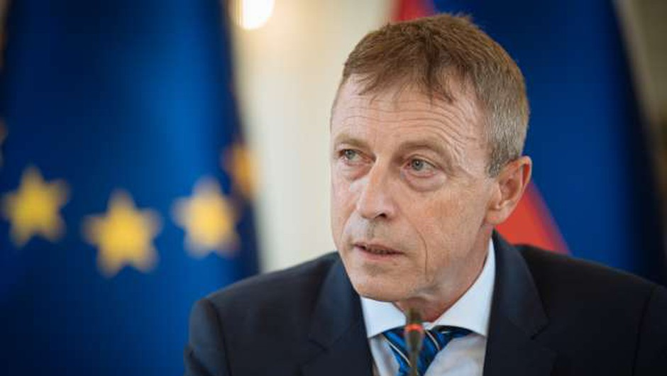 Odvetnik Rok Čeferin izvoljen za novega ustavnega sodnika (foto: Jure Makovec/STA)