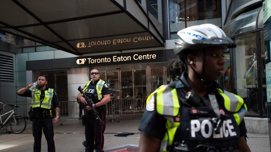 Med proslavo naslova prvakov lige NBA v Torontu izbruhnilo streljanje (foto: Profimedia)
