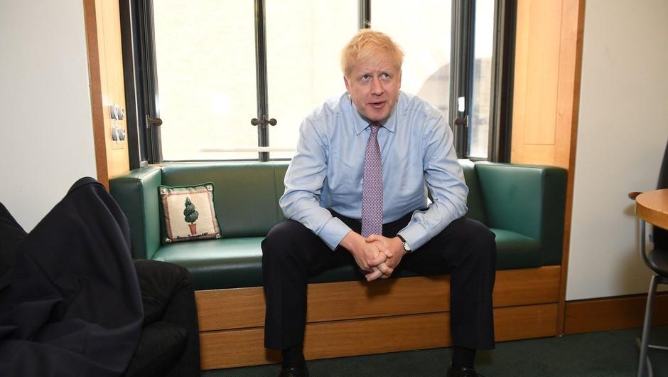 V tekmi za naslednika Therese May le še Boris Johnson in Jeremy Hunt (foto: profimedia)